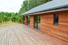 Dřevěná terasa i provětrávaná fasáda z merbau - systém Softline 2
