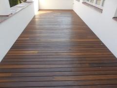 Dřevěná terasa Jaya