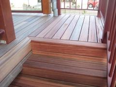 Dřevěné schodiště, systém Softline (Vetedy Group)