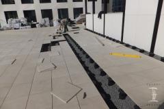 Pokládka keramické dlažby na terče Buzon je rychlá a přesná