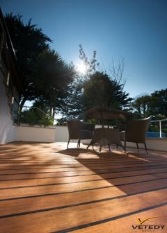 Dřevěná terasa Teak se skrytým uchycením Softline