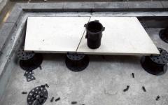 Pokládka lichoběžníkové dlažby na terče Buzon BC série