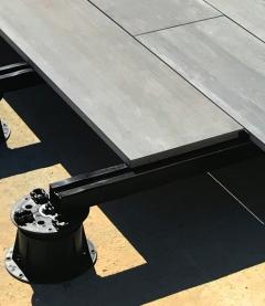 Ukázka pokládky velkoformátové dlažby na BUZON BRS systém