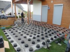Příprava dřevěné terasy - montáž terasy na terče Buzon
