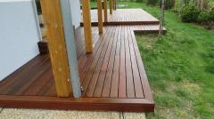 Dokončená dřevěná terasa - pohled 2
