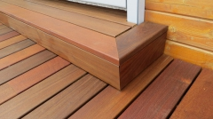 Dřevěná terasa - vstup do domu
