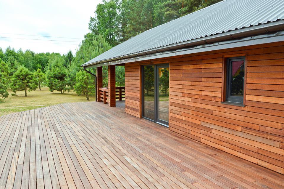 Dřevěná terasa i dřevěná fasáda z merbau systém Softline