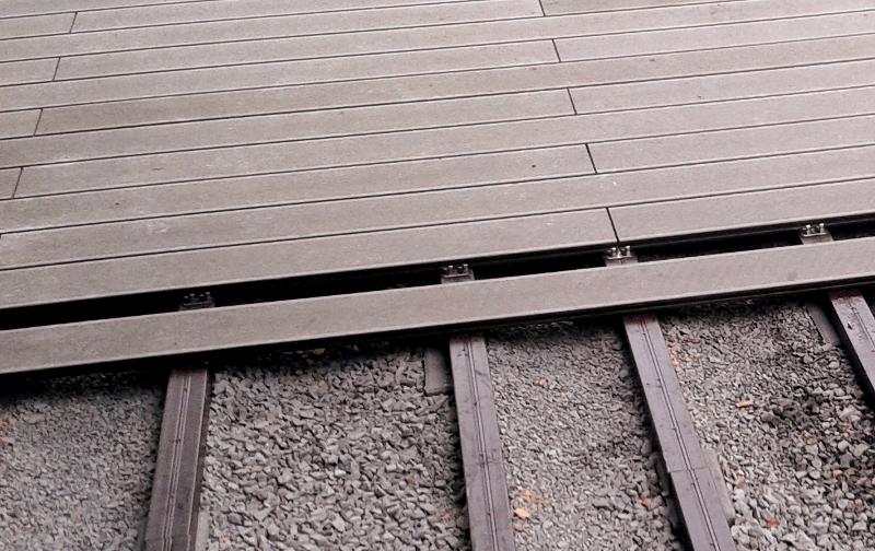 montáž wpc terasy Likewood 23 (terra) na wpc podkladní hranol