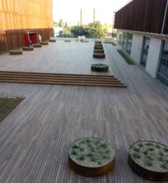 Hotová dřevěná terasa Softline Ipe na terčích BUZON