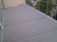 WPC terasa z šedých prken