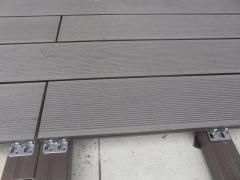 Detail z instalace wpc terasy - napojení wpc prken