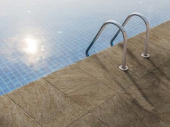 Dlažba RETRO Quarzitte u bazenu