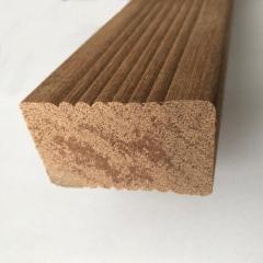 Podkladní hranol z tvrdého dřeva Keruing 45x70 mm detail