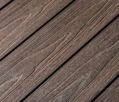 Detail terasy z WPC prken Likewood Protect TEAK