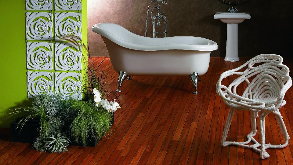 Dřevěná podlaha do koupelny Navylam+ tl. 9 mm | Fasády & Terasy s.r.o.