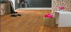 Dřevěná podlaha do koupelny z teaku šíře 88 mm