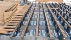 Dřevěná terasa na rektifikačních terčích BUZON