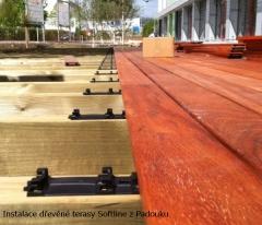 Instalace dřevěné terasy Softline z Padouku - detail