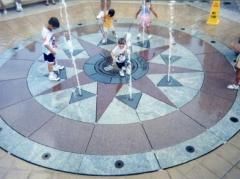 Venkovní fontána - instalace na terčích pod dlažbu Buzon BC