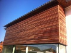 Dřevěná fasáda z padouku