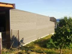 Realizace WPC fasády v šedém ostínu
