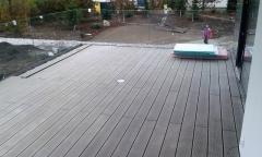 Hotová wpc terasa z plných wpc prken, odstín terra