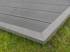 Olištování na šedé dřevoplastové terase Likewood 25