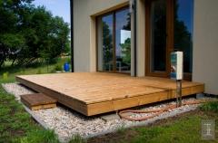 Ukázka realizace dřevěné terasy z thermoborovice, 26x140 mm