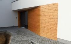 Realizace dřevěné fasády z thermoborovice 19x117 mm - vstup