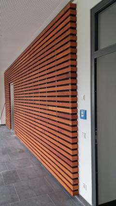 Dřevěné obložení stěny s mezerníky Techniclic (Vetedy)