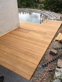 Dřevěná terasa z exotického dřeva Garapa - klasické uchycení shora