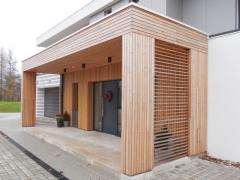 Dřevěné obložení vstupu domu, Techniclic sibiřský modřín