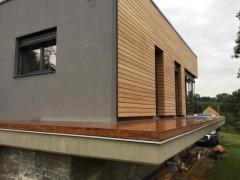 Dřevěné obložení fasády ze dřeviny ayous bez suků, skryté uchycení Techniclic