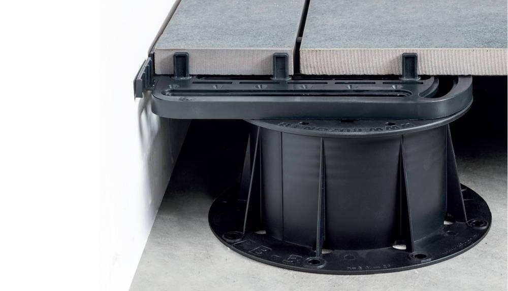 Rektifikační terče pod dlažbu BUZON | Fasády & Terasy - U-EDGE - Podepření dořezů dlažby na obvodu terasy